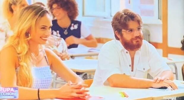 Alberto e Stephanie durante la puntata de La pupa e il secchione