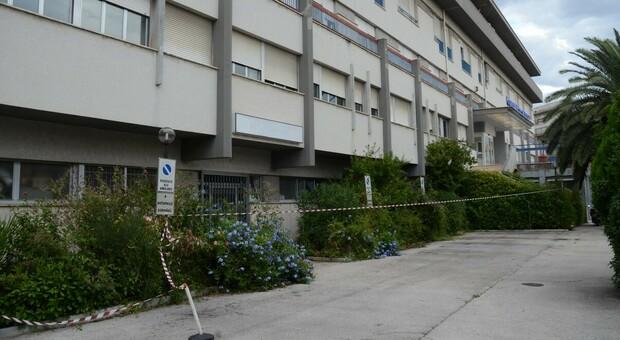 L'ospedale di Tolentino danneggiato dal terremoto