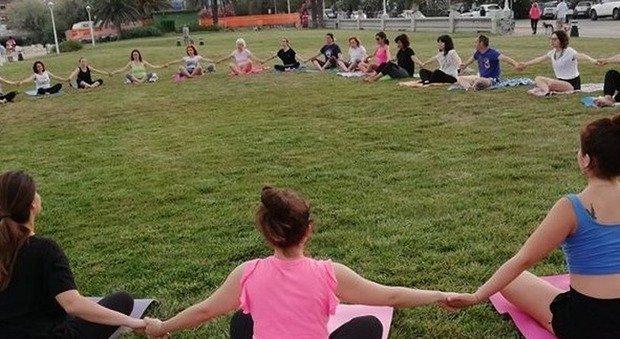 Una lezione di yoga