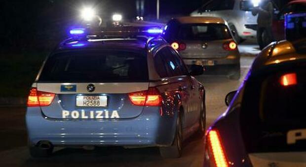 Genova, donna uccisa in pieno centro con una coltellata