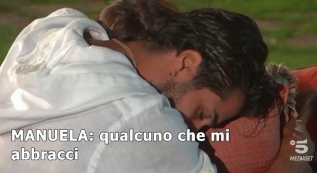 Temptation Island 2021, Manuela in lacrime per i tradimenti di Stefano, lui la umilia: «E' solo una stupida»