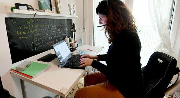 Smart working, fino a quando si potrà lavorare da casa? Le nuove date dopo il decreto Riaperture