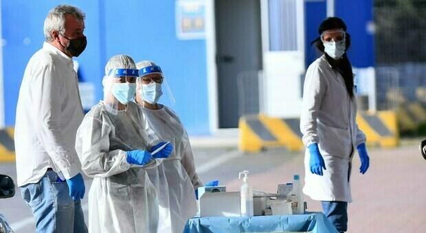 Coronavirus, bollettino 18 luglio: 3.127 nuovi casi e 3 morti. Tasso di positività all'1,9%