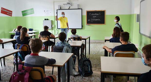 Il Covid esce da scuola, in discesa le classi in quarantena: ora sono 106