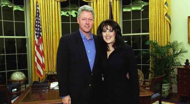 Monica Lewinsky, lo scandalo 23 anni fa: sesso, bugie e tribunali