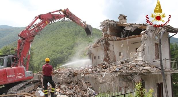 Castelsantangelo sul Nera, la rinascita affidata all'archistar Boeri. Sulla ricostruzione pesa però la burocrazia. Ecco perché