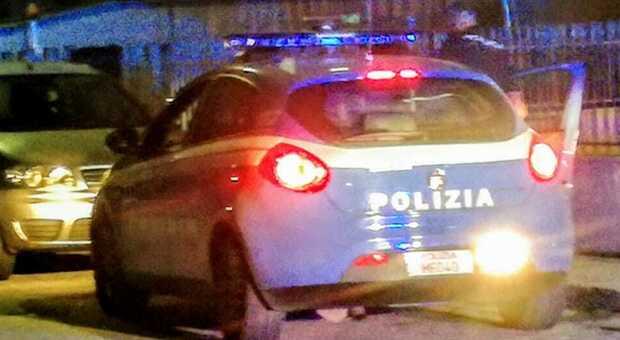 Porto Sant'Elpidio, folle fuga in due in contromano sullo scooter rubato: uno acciuffato, era già stato espulso