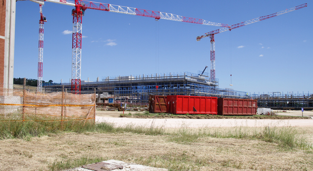 Ospedale, nuovo step: via ai lavori della Ciip. Sotto esame la struttura di Campiglione, dopo l estate Consiglio sulla variante