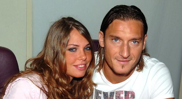 Ilary Blasi e Francesco Totti in una foto di archivio