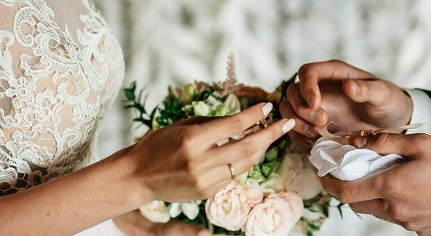 Pesaro, prima o poi ti sposo: ritorna il wedding, ma regna ancora la confusione