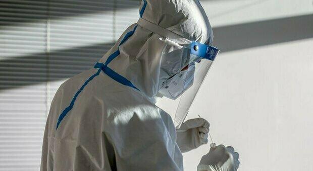 Coronavirus, 125 nuovi positivi e l'incidenza sfiora quota 60, ma cala il tasso di tamponi infetti