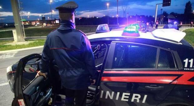 Alcol a un minore davanti ai carabinieri in borghese: scatta la maxi multa al titolare del locale