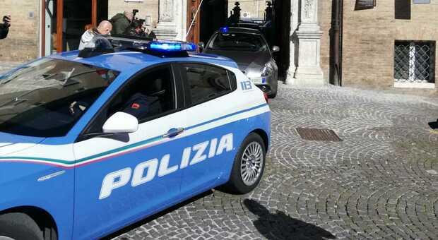 Pestaggio in corso Cavour per futili motivi: arrestati due albanesi