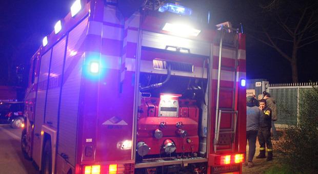 Nella foto di repertorio un intervento dei vigili del fuoco