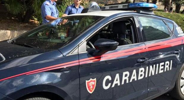Ubriaco e controsenso centra un auto: patente ritirata e vettura sequestrata