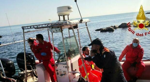 Un malore e la caduta vicino alla grotte del Passetto: soccorso via mare per un uomo di 53 anni
