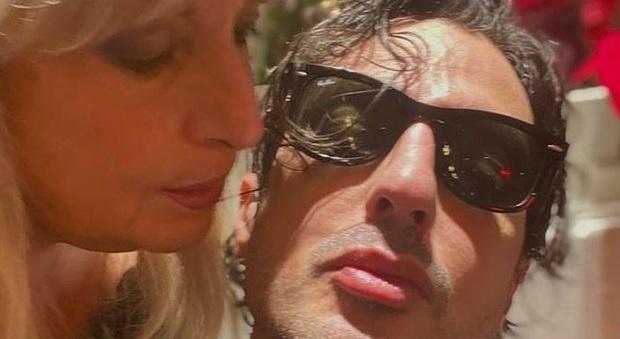 Fabrizio Corona arrestato, l'accusa di mamma Gabriella: «Perseguitato dalla magistratura, abuso di potere»