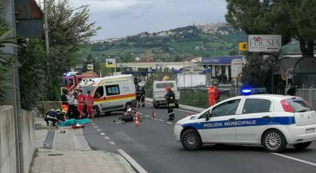 La tragedia all'incrocio tra via Ancona e via San Biagio a Osimo