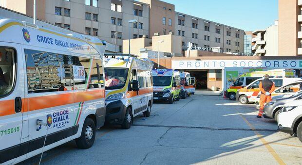 Da 7 a 17 ricoverati Covid nel giro di 5 giorni: all'ospedale regionale a Torrette torna l'Unità di crisi