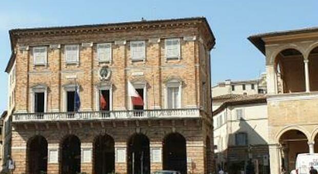 Il palazzo comunale di Macerata