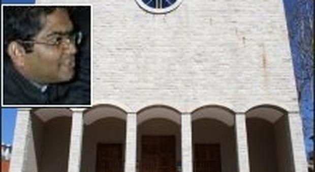 La variante Covid spaventa: il parroco padre Martin rimane bloccato in India