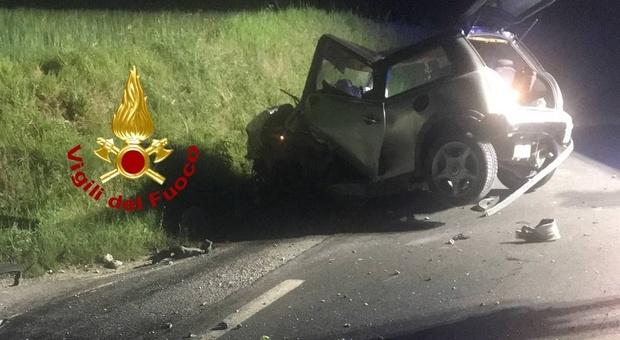 I resti dell'auto dopo l'incidente mortale