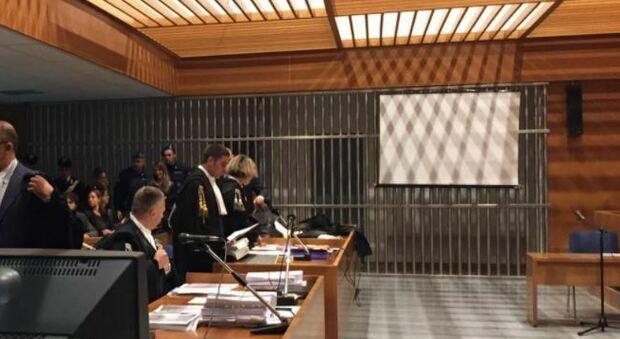 Uccise figlia di 2 anni, padre condannato all'ergastolo
