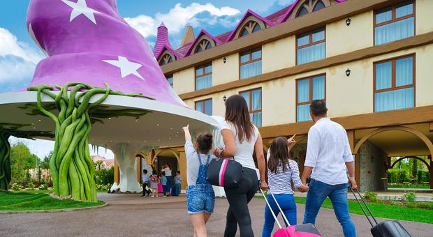 Foreste, cristalli e maghi: ecco Gardaland Magic Hotel, il regno della fantasia