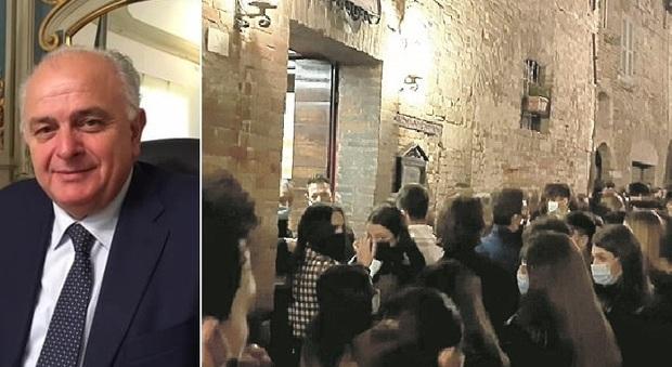 Eccessi dela movida, il sindaco avverte: «Altre violenze e chiudo i locali»