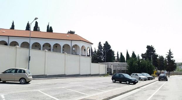 Denaro sparito nella chiesa del cimitero: cade l accusa di peculato per l'ex custode