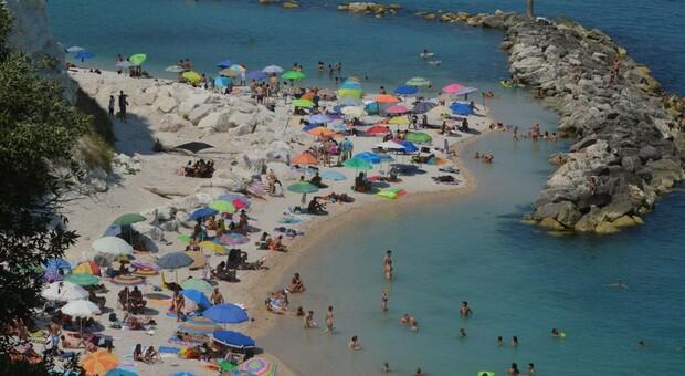 Marche: la Regione ha delineato le norme per le spiagge