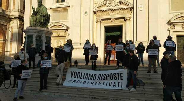 La protesta degli imprenditori del turismo religioso venerdì scorso a Loreto