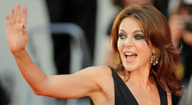 Claudia Gerini tradita da Simon Clementi? L'attrice spiega: «No, ci eravamo già lasciati»