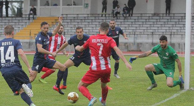 Emilio Volpicelli durante Matelica-Samb del 3 aprile scorso a Macerata. Finì 1-0