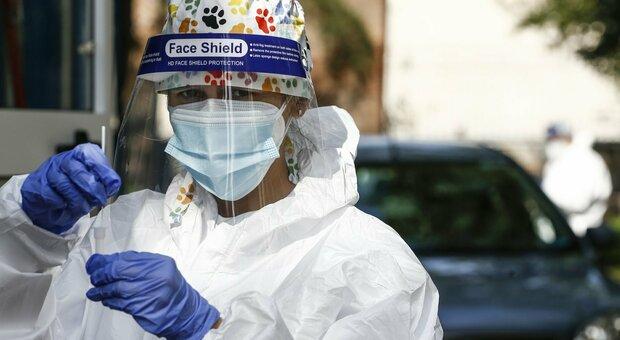 Coronavirus, altri 380 infettati nelle Marche: ormai è positivo un tampone su quattro