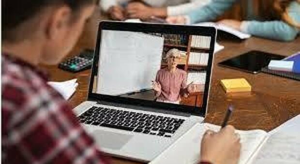 Controlli della scuola sull'uso degli ipad per la didattica a distanza