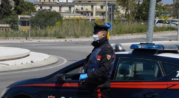 Carabinieri al lavoro in città, foto generica