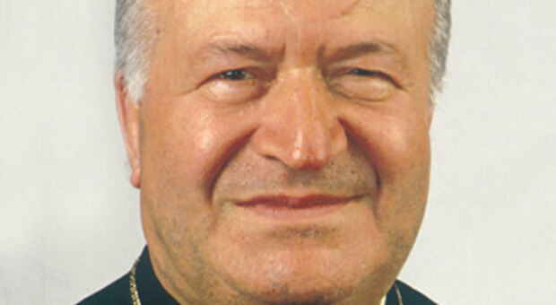 Chiesa in lutto, il Covid si porta via il vescovo emerito Mario Cecchini