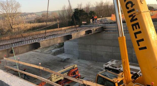 Superstrada, dopo dieci mesi di lavori riapre il viadotto danneggiato da un mezzo pesante