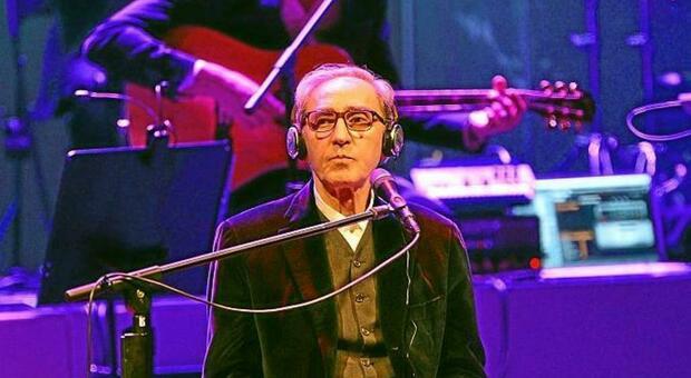 """Franco Battiato ha diretto il festival """"Il violino e la selce"""" che da Fano si è allargato a tutte le Marche"""