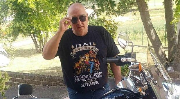 Vincenzo Tarquini Covid, Vincenzo è morto a 55 anni. La farmacia dove lavorava: «Se ne è andata una persona speciale»
