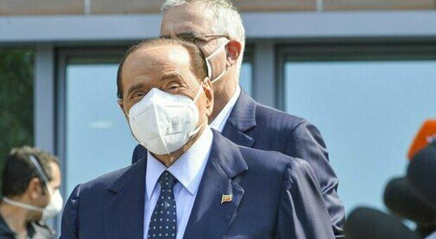 Berlusconi, giallo sulla sua salute: ricoverato al San Raffaele per una infezione post-Covid