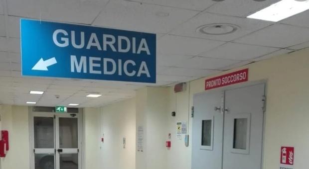 Carenza di dottori per coprire i turni: allarme per la guardia medica