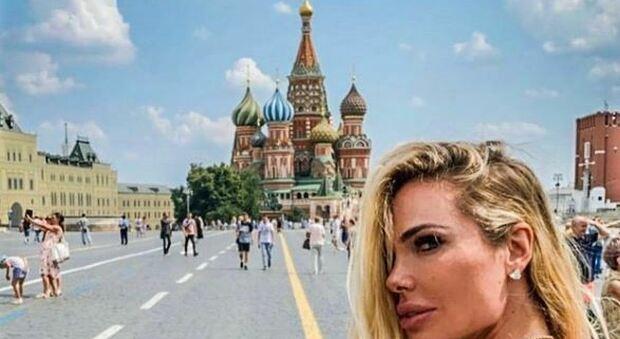 Ilary Blasi a Mosca