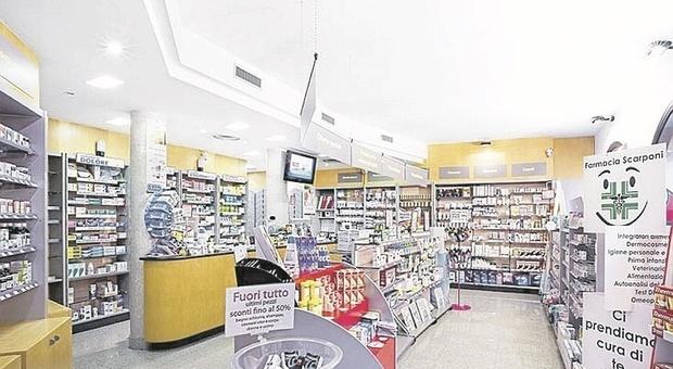Pesaro, vaccini in farmacia: Comunali pronte, alcune private tentennano. Falsa partenza per la piattaforma