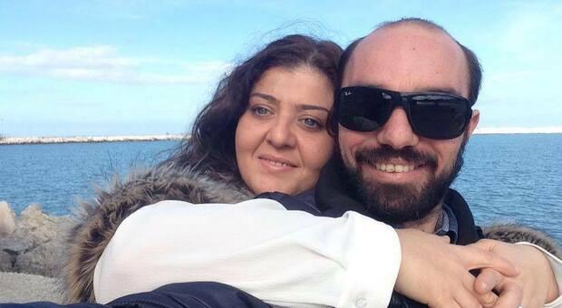Antonia, morta a 41 anni a causa del covid a Barletta: «Ha atteso 11 ore un posto letto in ospedale»