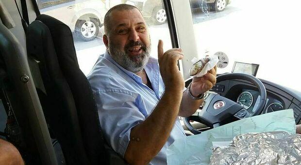 Addio a Roberto Vitali, l autista che accompagnava i campioni: aveva 54 anni. Il lutto della città e delle autolinee Crognaletti