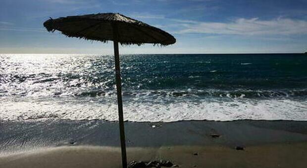 """Estate, ecco le isole """"covid free"""": dalla Grecia alla Sardegna cosa cambia tra riaperture e pass"""