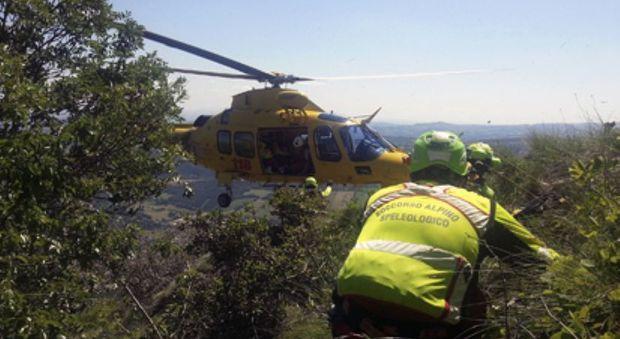 Precipita in un burrone per 300 metri Turista marchigiano muore a Cavalese