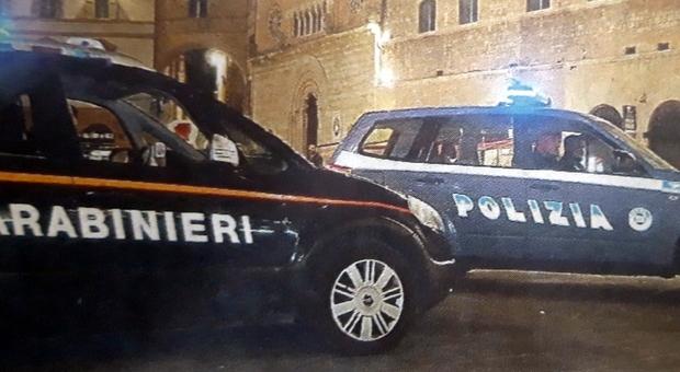 Spaccano cassaforte e fuggono con 70mila euro tra denaro e preziosi